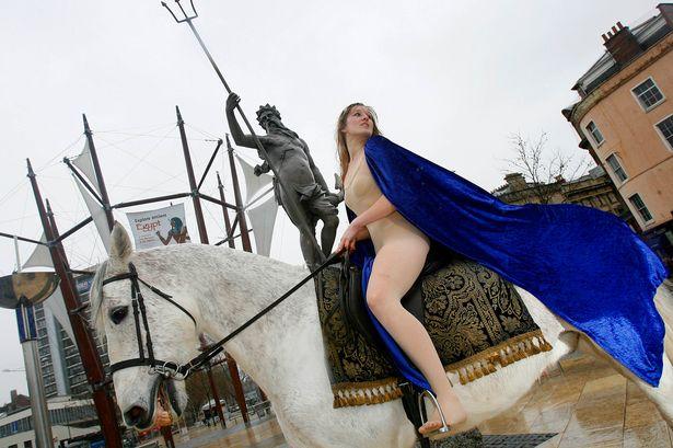 Как проходит фестиваль в честь леди Годивы